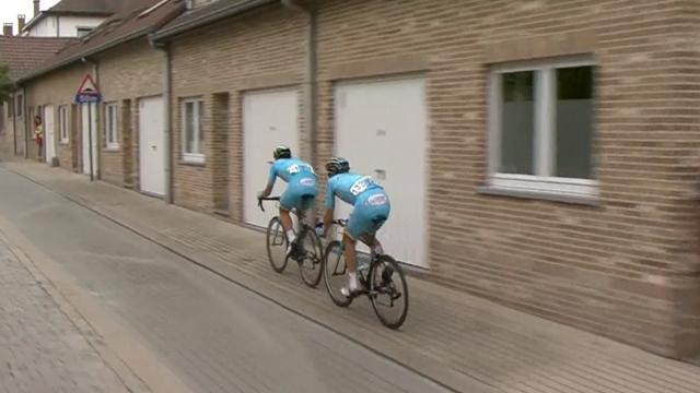 Eneco Tour: Dos ciclistas se la jugaron rodando por la acera