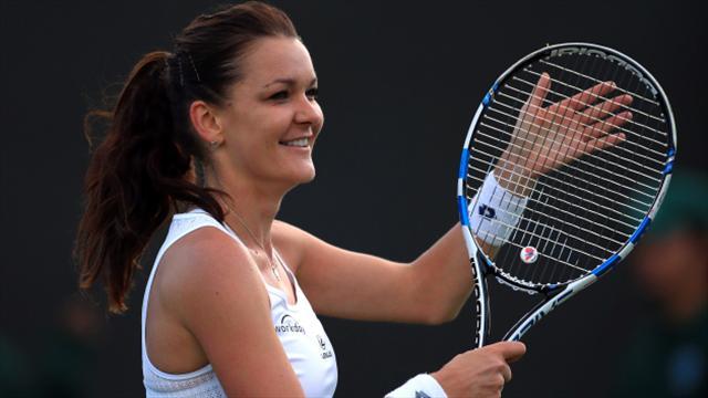 Agnieszka Radwanska eases into semi-finals