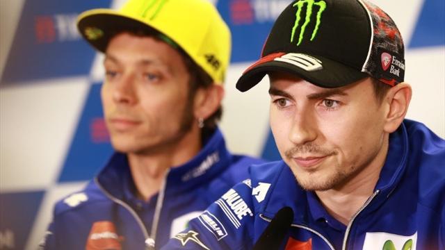 Duell zwischen Yamaha-Piloten Rossi & Lorenzo um den Vizetitel