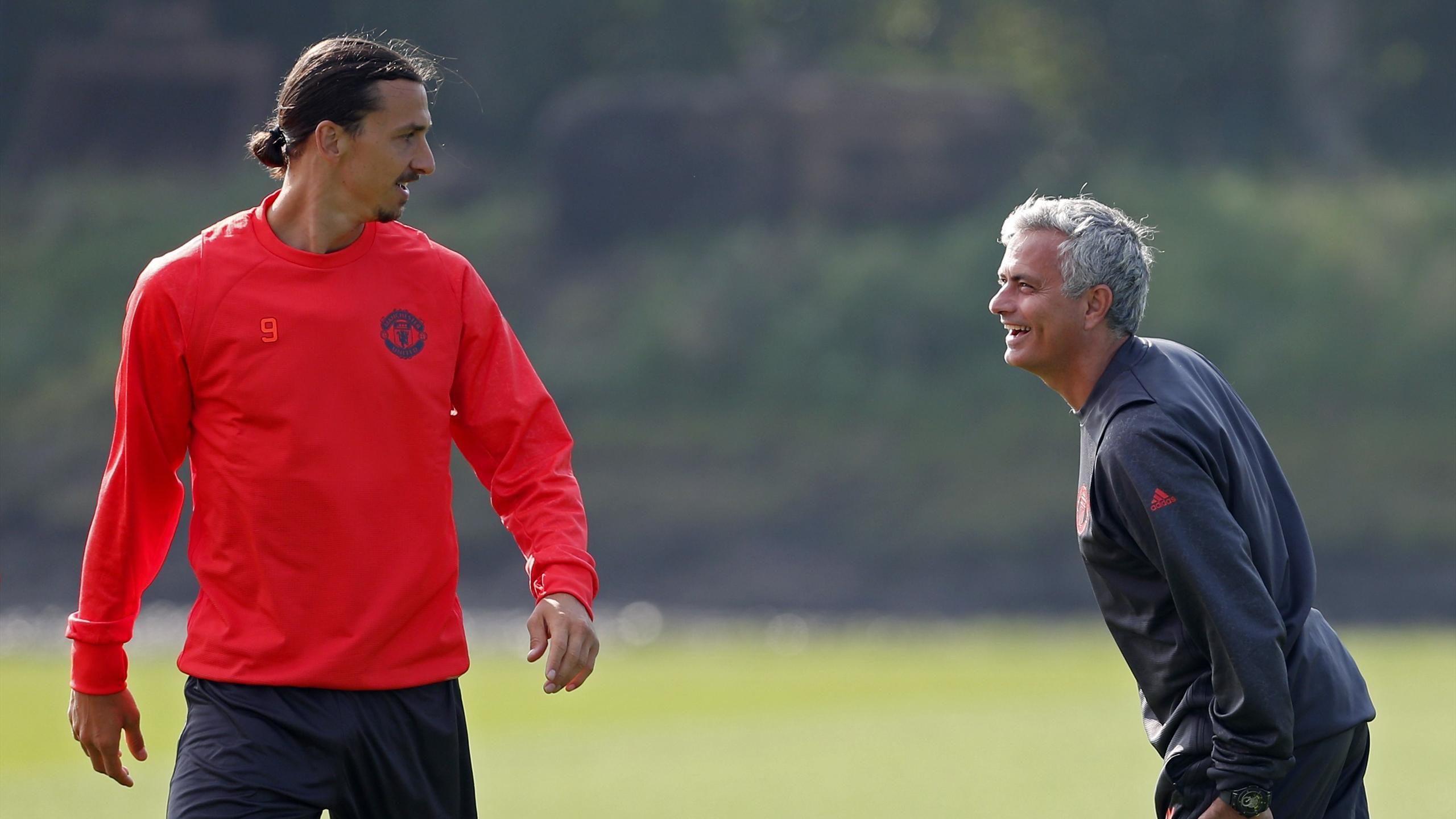 Zlatan Ibrahimovic et José Mourinho à l'entraînement avec Manchester United
