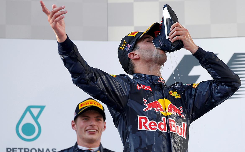 Daniel Ricciardo shoey