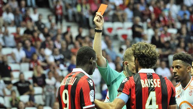 Balotelli pourra jouer contre Lyon après l'annulation de son carton rouge