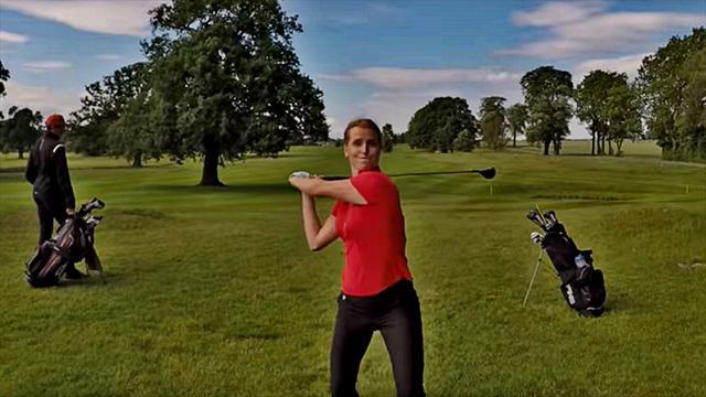 Раздраженная неудачами гольфистка сорвалась и шмякнула клюшкой по дрону