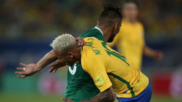 Brasil-Bolivia: Neymar, partidazo y ensangrentado tras un codazo (5-0)