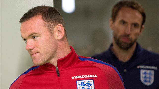 Rooney : «Mon rôle de capitaine ne va pas changer depuis le banc de touche»