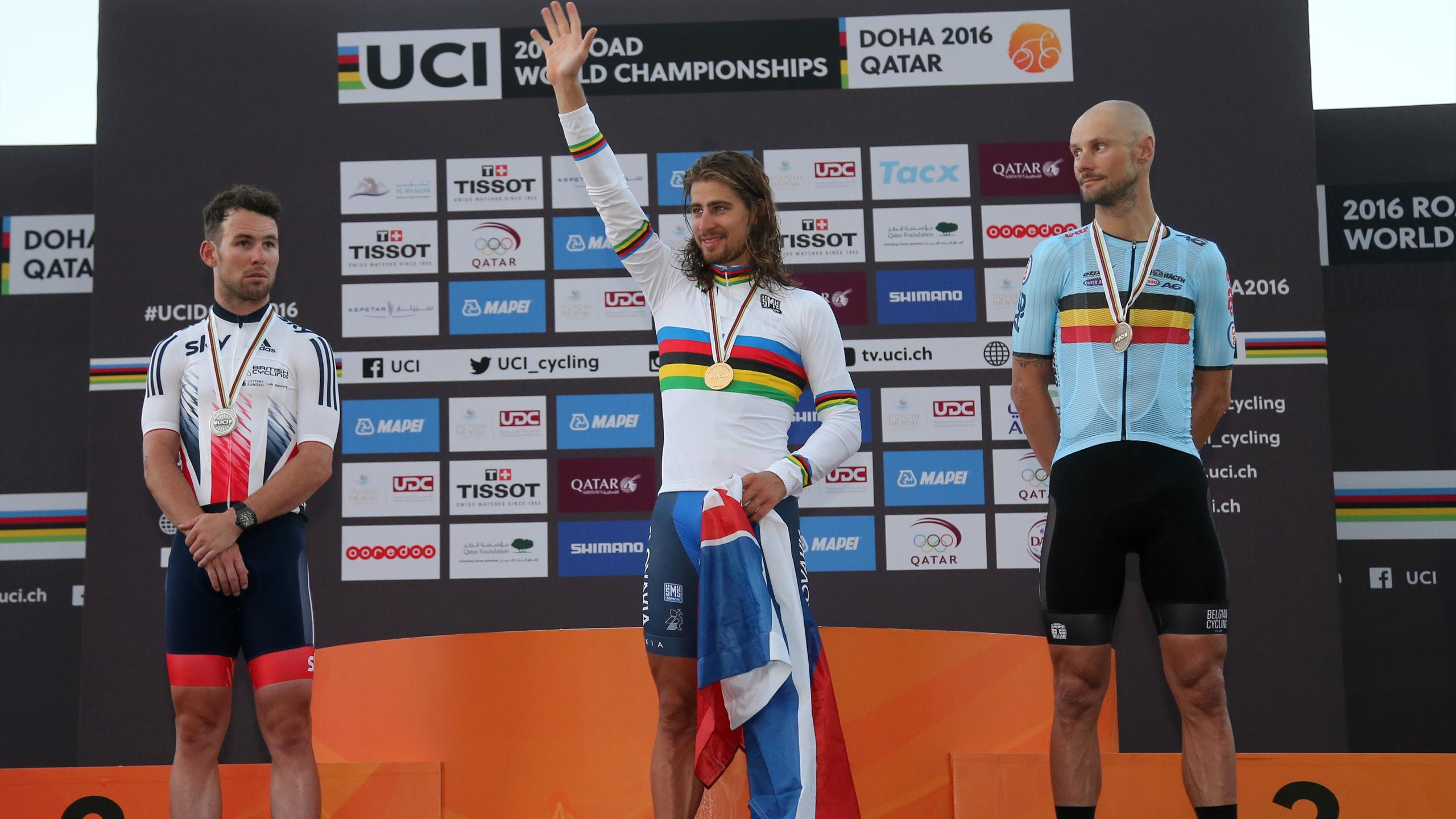 Peter Sagan conserve son maillot arc,en,ciel, en coiffant
