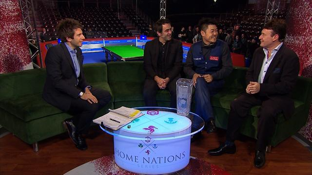 English Open champion Liang Wenbo chats to Ronnie O'Sullivan and Jimmy White
