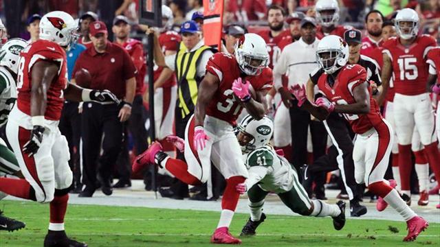 28-3. El poder terrestre de David Johnson rompe defensa de Jets
