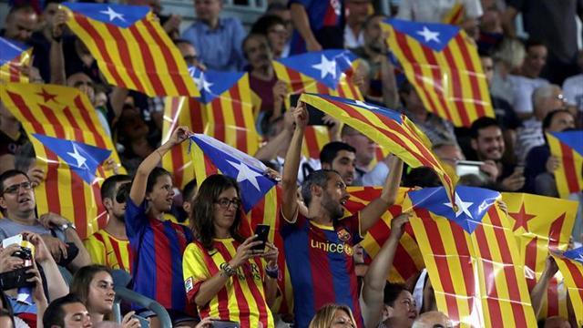 Se repartirán 30.000 'esteladas' en apoyo a Carme Forcadell en el Camp Nou