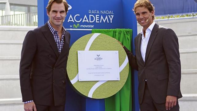 """Rafael Nadal inaugura junto a Federer su Academia, """"un sueño hecho realidad"""""""
