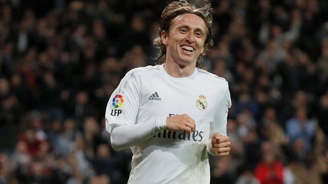 Modric amplía su contrato con el Madrid hasta el 2020