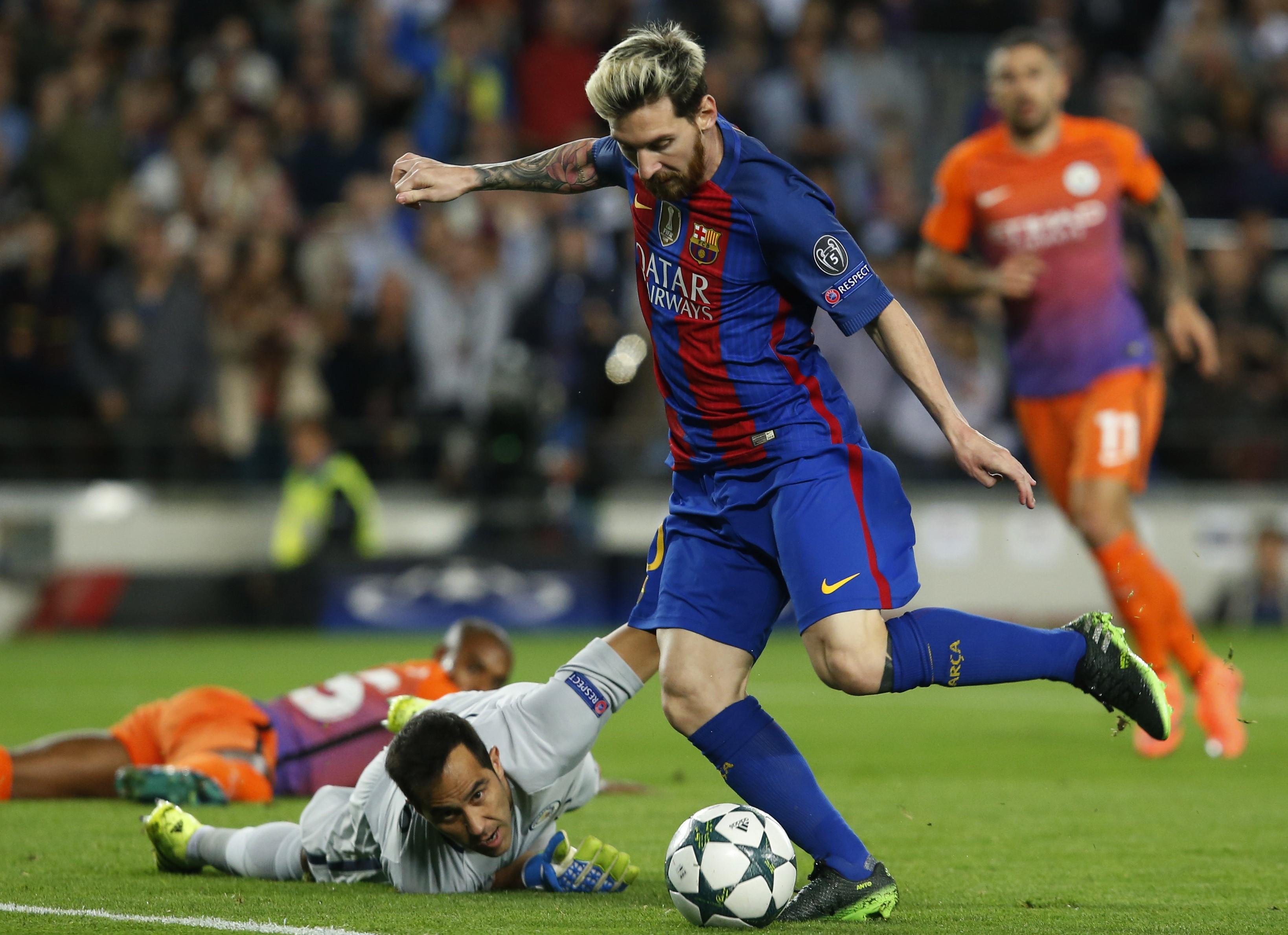 Messi supera a Claudio Bravo. Barcelona-Manchester City