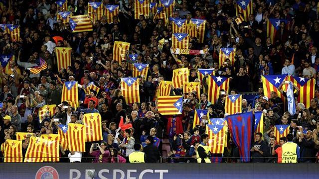 El Camp Nou se llena, de nuevo, de banderas independentistas ante el City
