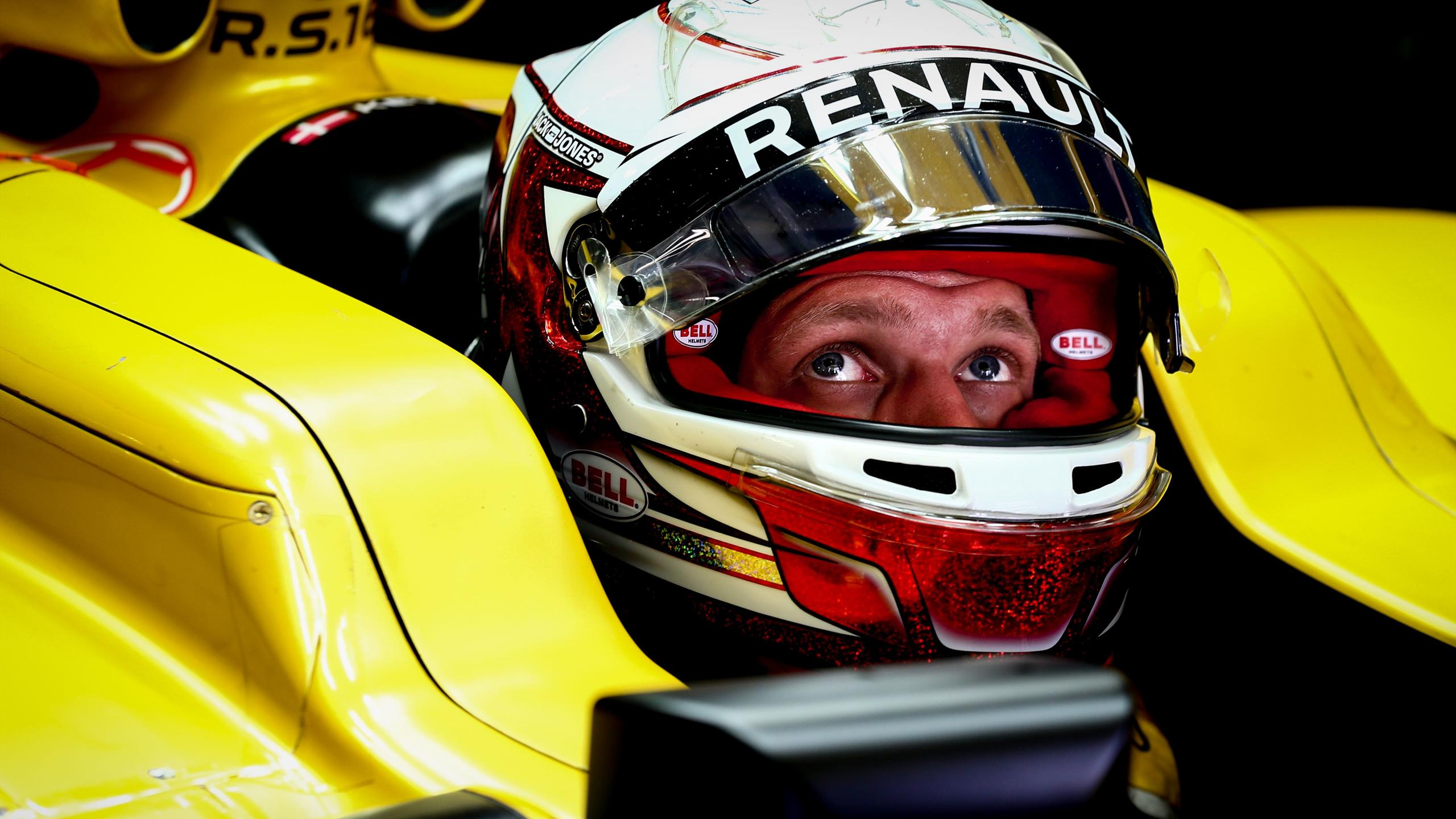 Kevin Magnussen (Renault) during Japan GP 2016