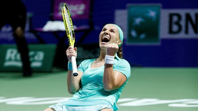 Kuznetsova claims maiden WTA Finals semi-final place