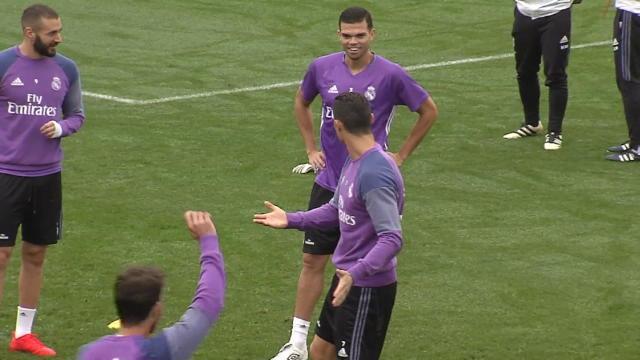 Un tacle raté, une simulation et Ronaldo se fait chambrer