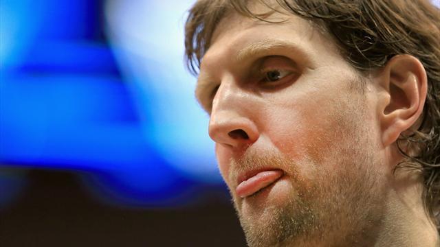 Magenprobleme: Nowitzki bei Mavericks-Niederlage nur Zuschauer