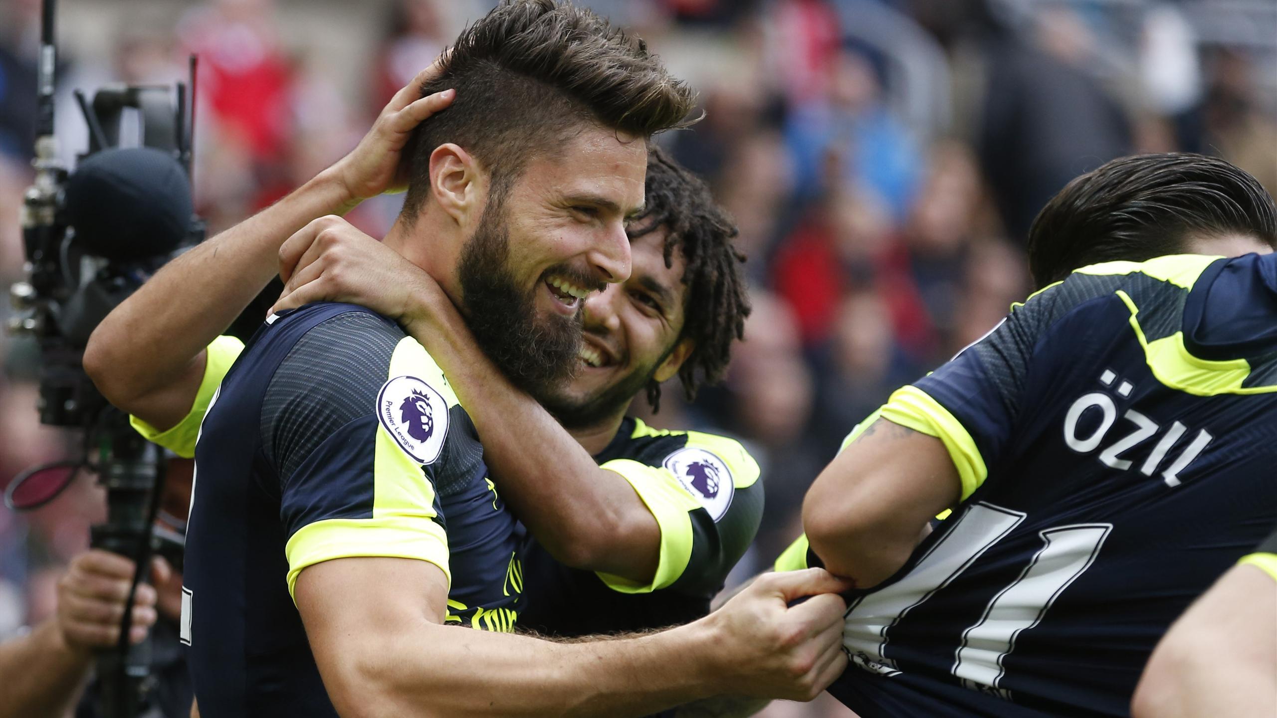 Arsenal's Olivier Giroud celebrates scoring against Sunderland