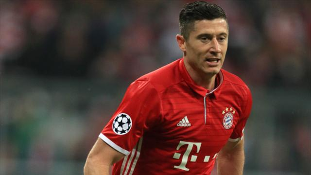 Lewandowski urges patience over Bayern contract talks