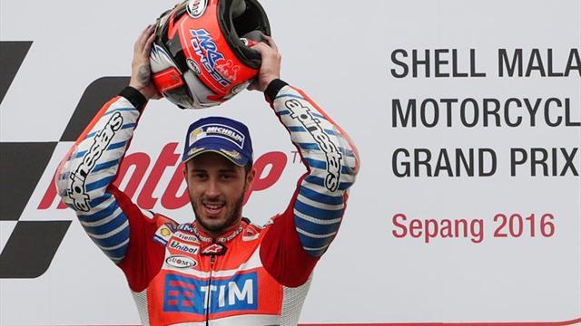 Dovizioso, bajo la lluvia, se quedó con el Gran Premio de Malasia