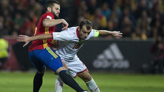 Испания разгромила Македонию и сохранила первое место в группе G