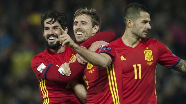 Monreal on target as Spain hit four against Macedonia
