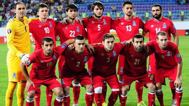 Сборная Азербайджана купила вБелфасте восемь телевизоров