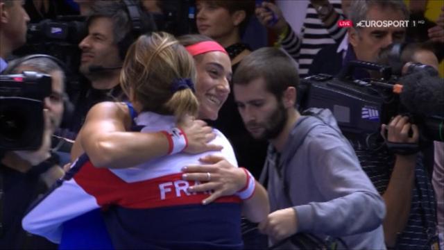 Garcia beats Pliskova to put France in control