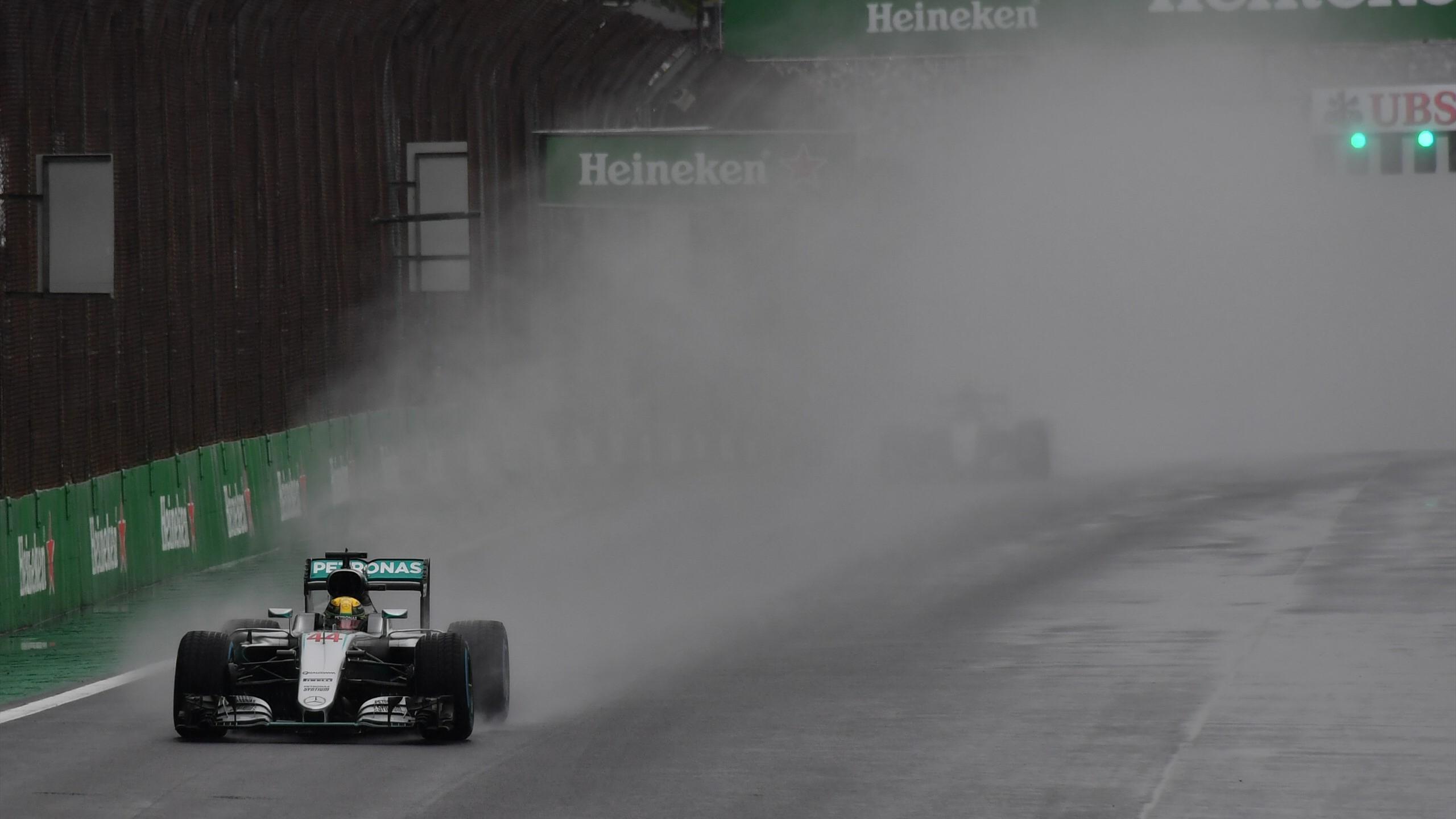 Lewis Hamilton (Mercedes) lors du Grand Prix du Brésil (13 novembre 2016)