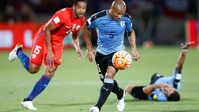 Chile tumba a Uruguay con doblete de Alexis y se asoma al Mundial (3-1)