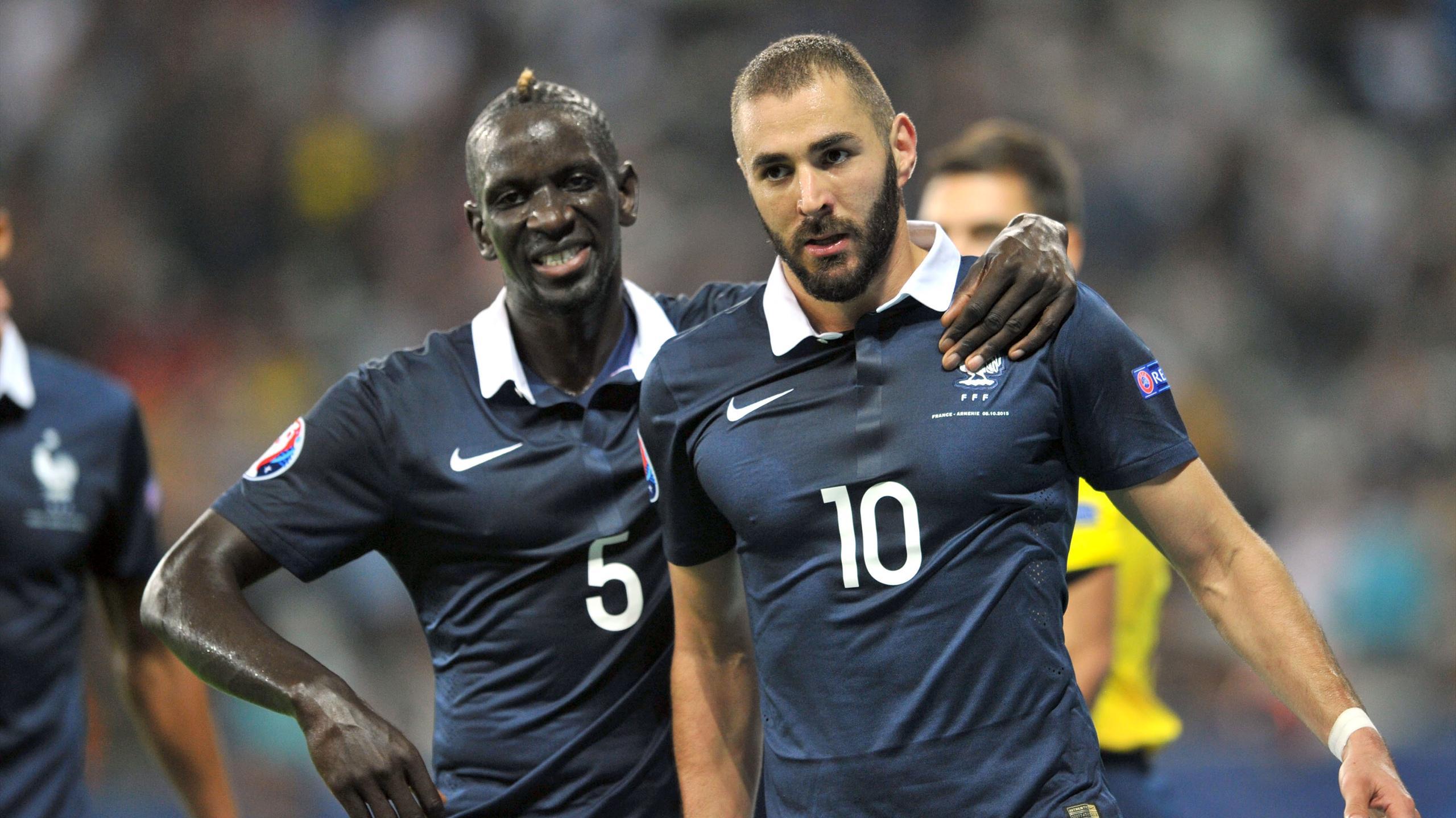 Mamadou Sakho et Karim Benzema lors de France-Arménie en 2015