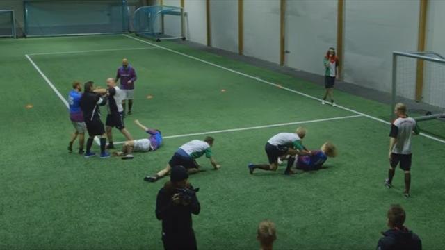 Норвежцы показали, как нужно играть вфутбол нетрезвыми встельку
