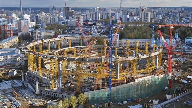 Строители стадиона в Екатеринбурге к ЧМ-2018 работают в 30-градусные морозы