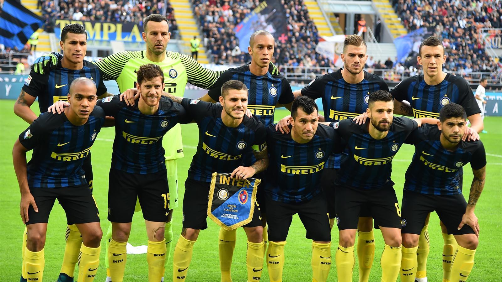 ensemble de foot AC Milan ÉQUIPE