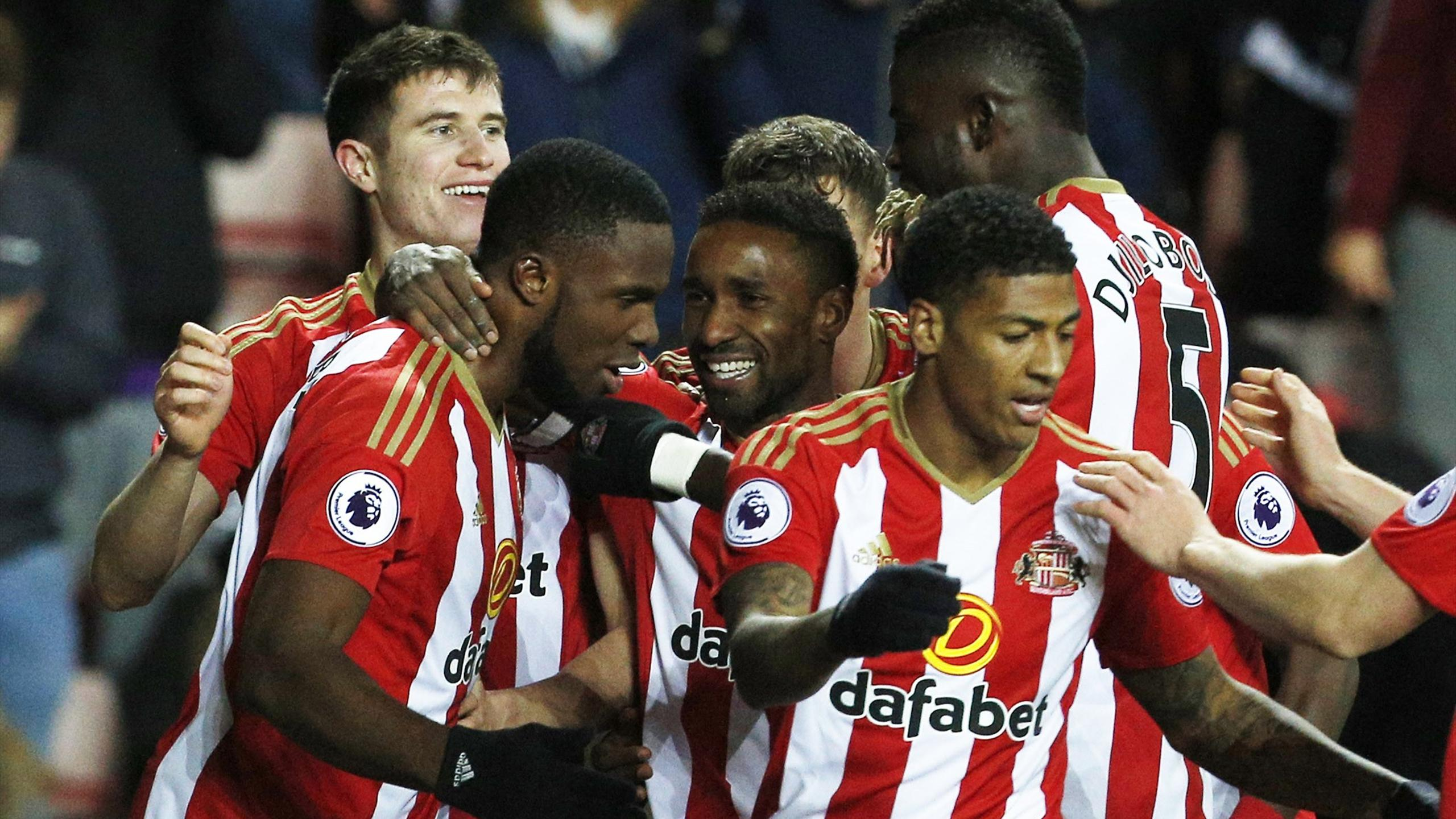 Victor Anichebe scored twice as Sunderland recorded a vital 3-0 win at home to Hull City in the Premier League.