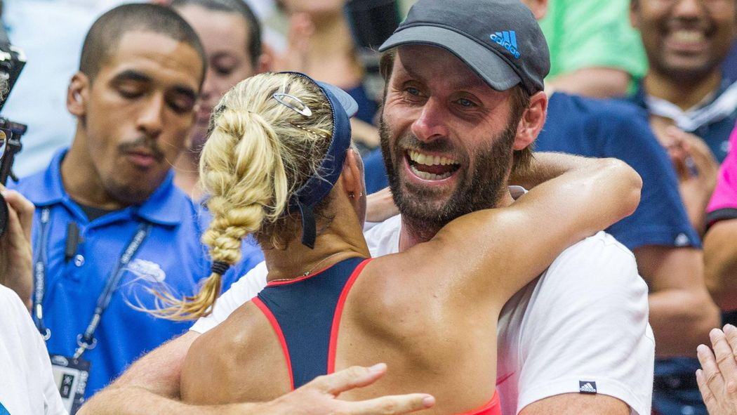 Angelique Kerber hugs coach Torben Beltz after her win