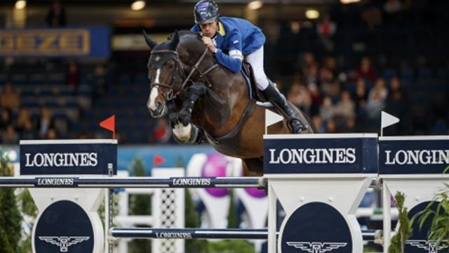Christian Ahlmann eases to Longines FEI World Cup Jumping success in Stuttgart