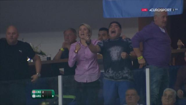 Maradona goes berserk during Del Potro classic