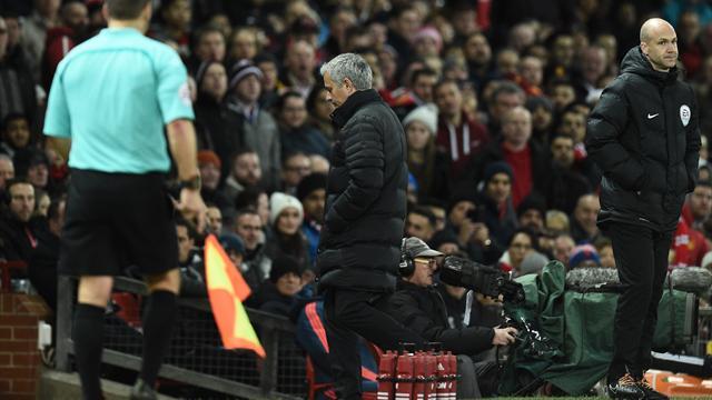 Milde Strafe für Mourinho nach Flaschentritt