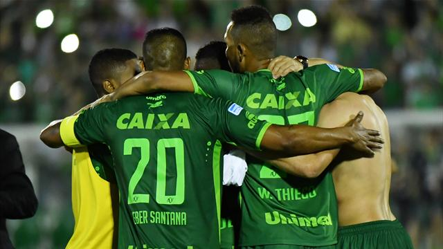 «Бенфика» и бразильские клубы предложили «Шапекоэнсе» своих футболистов