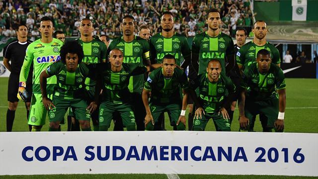Le football brésilien endeuillé après un crash aérien