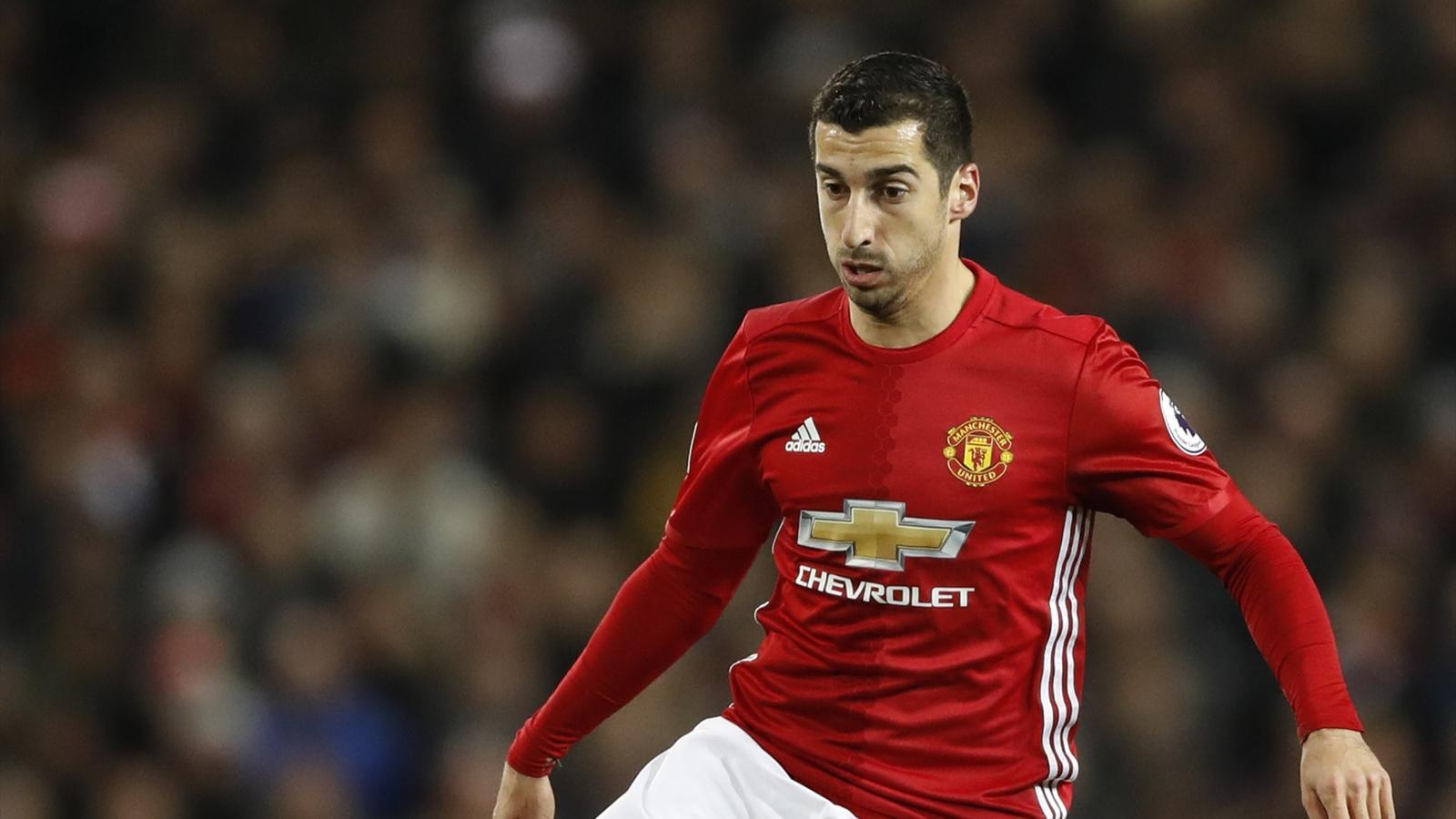 Henrikh Mkhitaryan, Luke Shaw start for Manchester United, Bastian Schweinsteiger on bench again