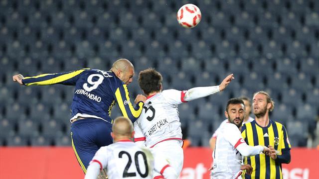 Fenerbahçe'nin galibiyet serisini Gençlerbirliği bitirdi