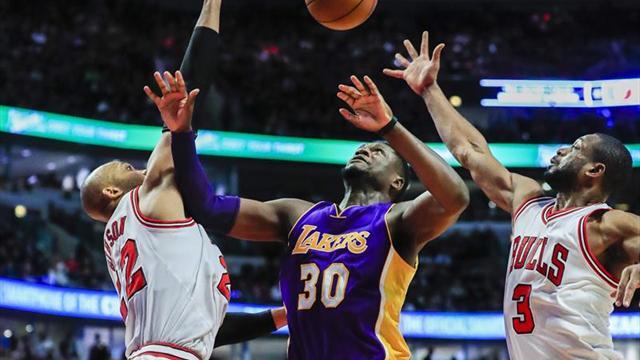 90-96. Randle marca la ventaja definitiva y Lakers se recupera de una derrota