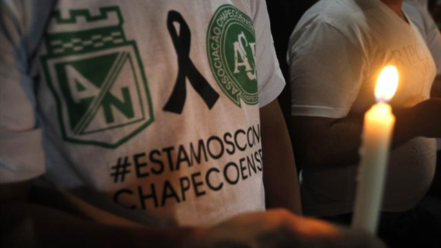 Brazilians rush to support shattered Chapecoense soccer club