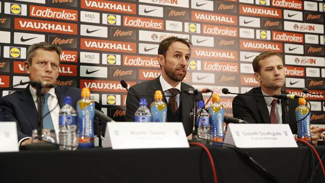 Southgate: England need more leaders but Rooney remains captain