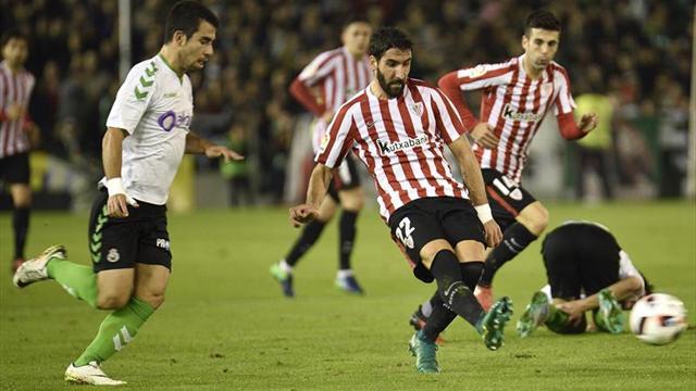 Real Sociedad, Alavés y Athletic se adelantan; Las Palmas desperdicia un 0-2