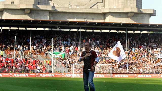 """Falls es hilft, verkaufe ich auch Würstchen"": Stanislawski bietet St. Pauli Hilfe an"