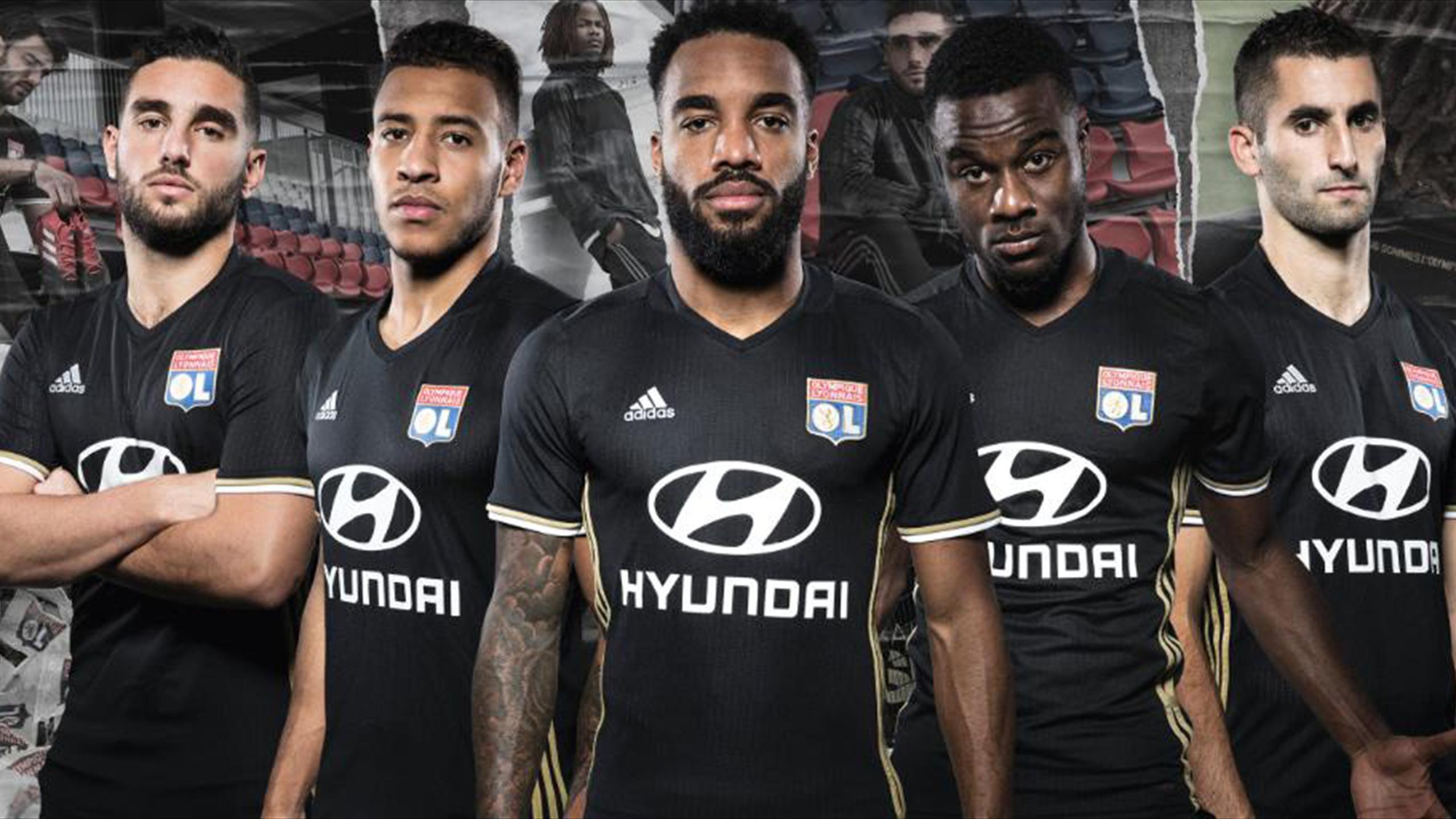 maillot entrainement Olympique Lyonnais noir