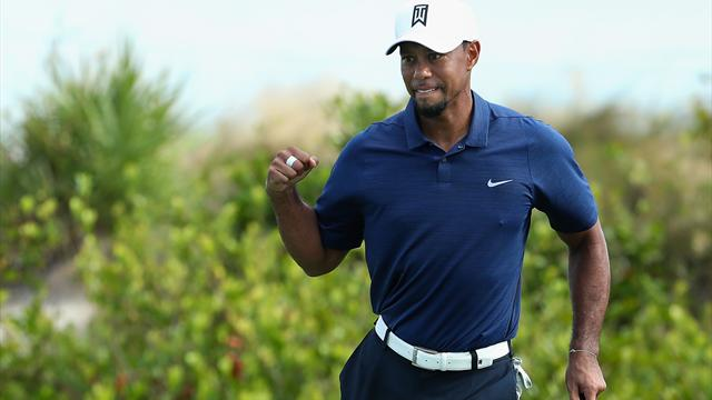 Tiger Woods hits 7-under 65 in second round of comeback